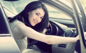женщина - тоже водитель!