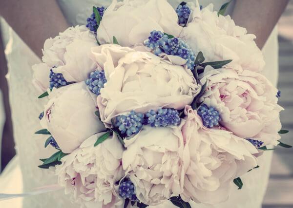 Букеты на свадьбу от друзей, нежно розовый свадебный букет
