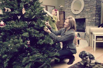 украшаем искусственную елку