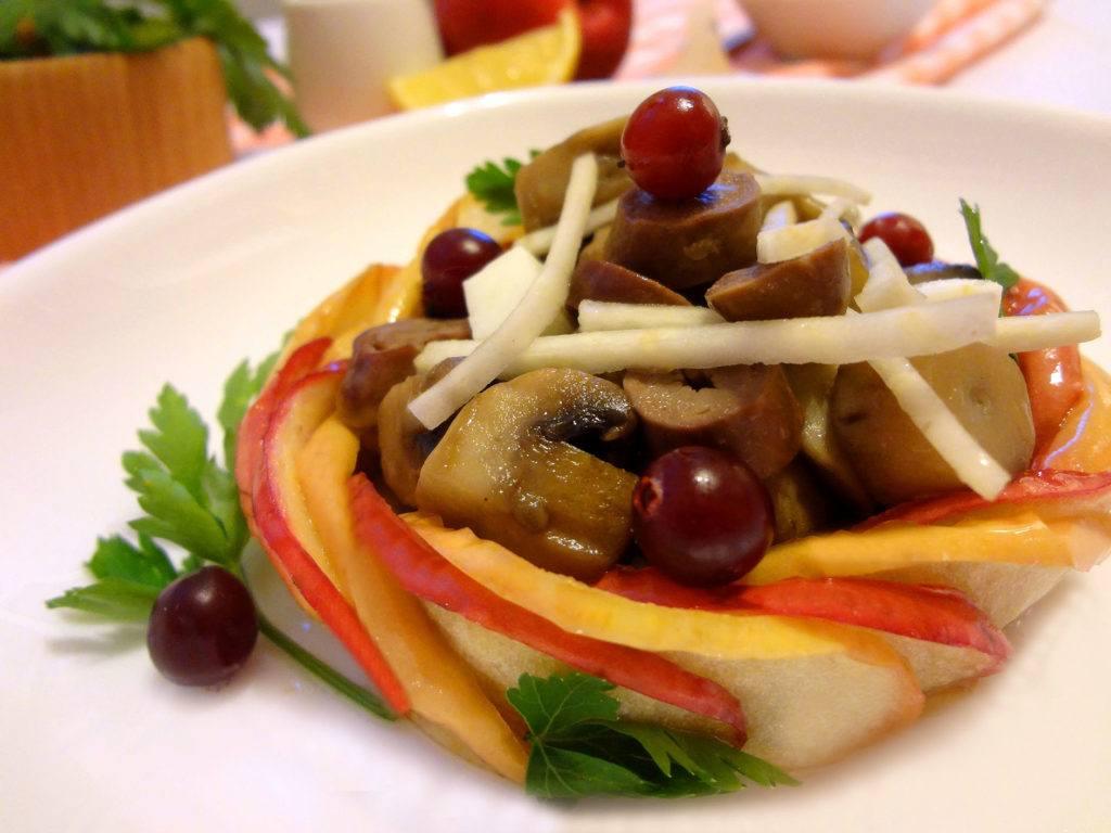 Салат из куриных сердечек с сельдереем