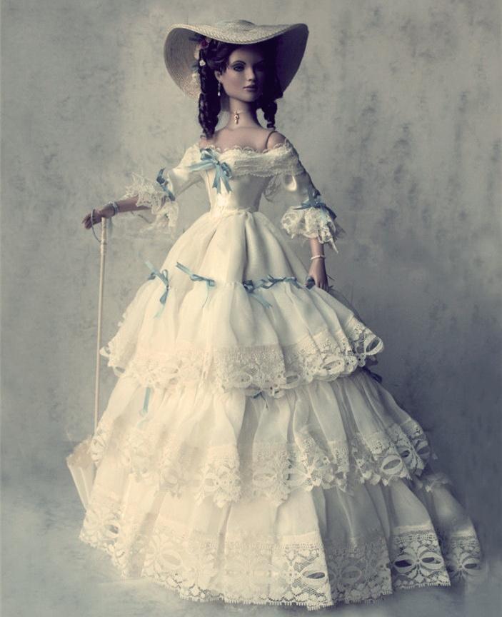 Платье для фарфоровой куклы своими руками