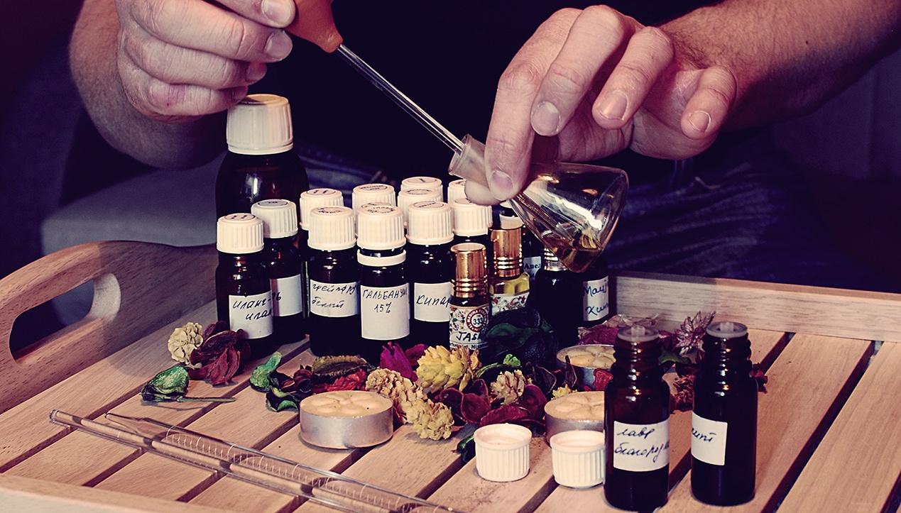 Как сделать духи на основе эфирного масла