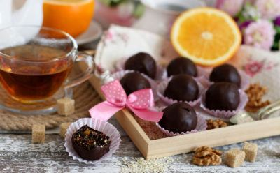 Чернослив в шоколаде с кунжутом и апельсином своими руками