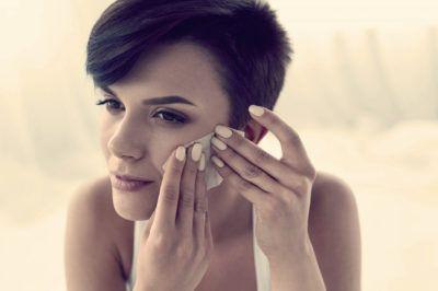 Матирующие салфетки для лица: плюсы и минусы