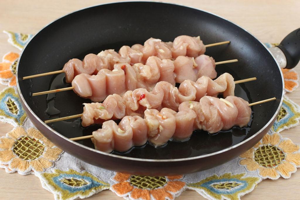 Куриный шашлычок на шпажках для детей рецепты
