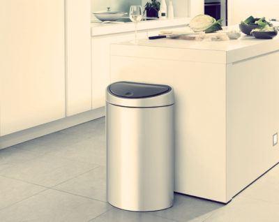 Как устранить запах из мусорного ведра