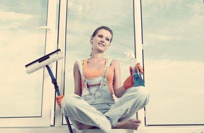 Как помыть окна на высоком этаже