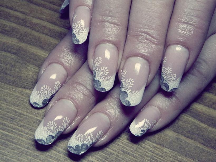 Дизайн ногтей кружево френч