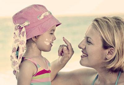 Как защитить ребенка от жары