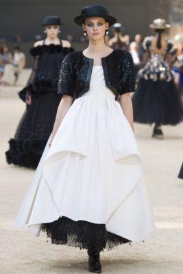 Неделя высокой моды в Париже осень/зима 2017/2018 Haute Couture