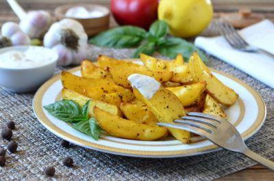 Картофель по деревенски в духовке «как в Макдональдсе»
