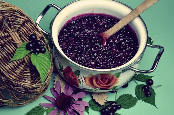 Рецепт варенья из черной смородины на зиму «пятиминутка»