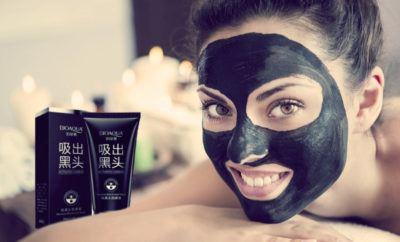 черная маска с углем