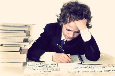 отличник выполняет домашнее задание