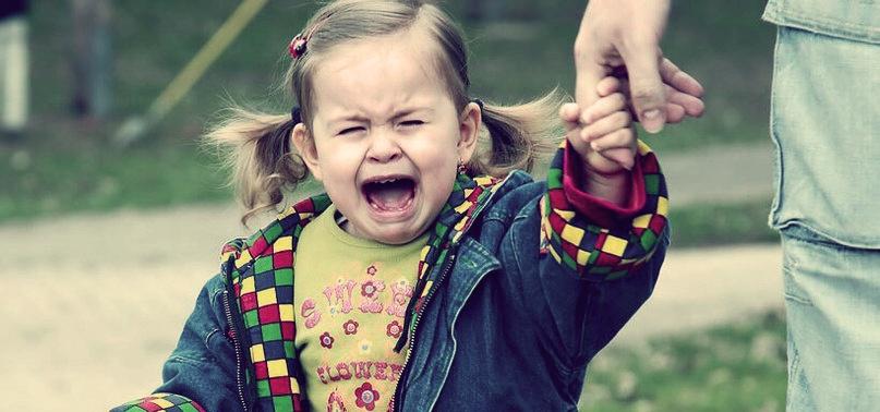 истерика у ребенка когда идет в детский сад