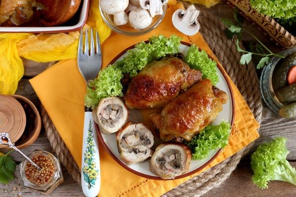 рецепт куриных бедрышек с черносливом в духовке