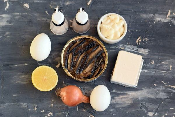 Паштет из шпрот с яйцом