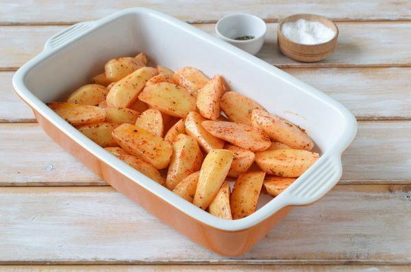 Как приготовить свиные ребрышки в духовке с картошкой рецепт с фото