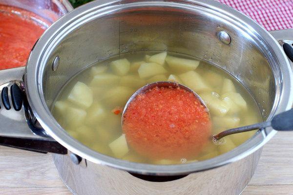 томатныйсуп-пюресфрикадельками