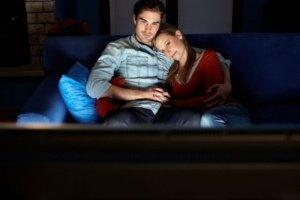 представлен список качественных мелодрам, которые можно смотреть парами