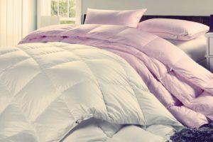 Изучаем как выбрать одеяло самое теплое на зиму