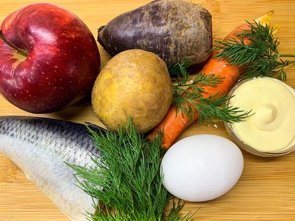 Селёдка под шубой: рецепт классический с яйцом и яблоком